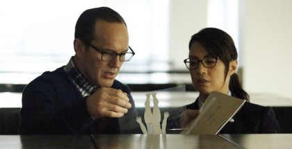 CLARK GREGG, MING-NA WEN - Agents of SHIELD Episode 21
