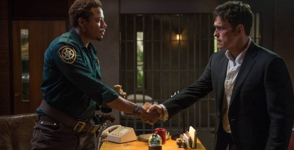 WAYWARD PINES:  Ethan Burke (Matt Dillon, R) meets Sheriff Arnold Pope (Terrence Howard, L).  @2014 Fox Broadcasting Co.  Cr:  Ed Araquel/FOX