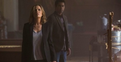 Kim Dickens as Madison and Cliff Curtis as Travis - Fear the Walking Dead (Justin Lubin/AMC)
