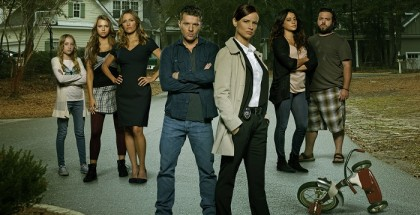 Secrets and Lies - Series 1 - Picture Shows: Belle Shouse as Abby Crawford, Indiana Evans as Natalie Crawford, KaDee Strickland as Christy Crawford, Ryan Phillippe as Ben Crawford, Juliette Lewis as Detective Cornell, Natalie Martinez as Jess Murphy and Dan Fogler as Dave Lindsey.
