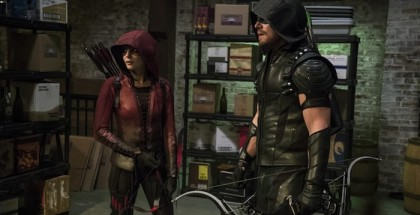 Arrow - Series 04 Episode 02 The Candidate Willa Holland as Speedy and Stephen Amell as The Arrow. © Warner Bros. Entertainment, Inc.