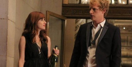 (L-R): Gretchen (Aya Cash) and Jimmy (Chris Geere)