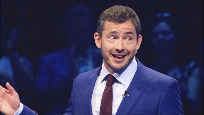 A WALL TO WALL MEDIA FOR ITV 500 QUESTIONS Picture Shows: Giles Coren. TV presenter and newspaper columnist, Giles Coren will present brand new ITV quiz show 500 Questions that will air on the channel later this year. Wall To Wall Media (a Warner Bros Television Production UK Ltd Company) is bringing the hit U.S. quiz show 500 Questions over to the UK to air in a primetime slot on ITV. 500 Questions is an intense battle of brainpower that will test even the smartest of contestants with a relentless stream of demanding questions. Intellect, strategy and stamina are all essential in order to win. ThereÕs no help, no hints, no multiple-choice and one very simple rule: never get three wrong in a row. ©WALL TO WALL