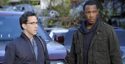 """24: LEGACY: L-R: Dan Bucatinsky and Corey Hawkins in the new """"6:00 PM-7:00 PM"""" episode of 24: LEGACY airing  on FOX. ©2017 Fox Broadcasting Co. Cr: Guy D'Alema/FOX"""