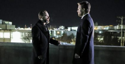 Arrow, Series 05, Episode 18 Disbanded, David Nykl as Anatoli Knyazev and Stephen Amell as Oliver Queen/The Arrow.© Warner Bros. Entertainment, Inc.