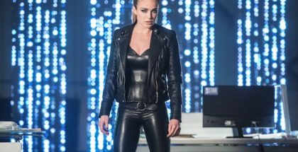 "Caity Lotz as Sara Lance/White Canary.DC's Legends of Tomorrow 2, ep. 16 ""Doomworld"""