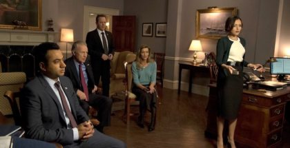 "DESIGNATED SURVIVOR - ""Party Lines"" - ""Party Lines"" - President Kirkman forms an unlikely alliance in the hopes of passing his first bill while Agent Ritter is briefed by FBI Agent Hannah Wells about a new alarming threat to the nation, on ABC's ""Designated Survivor,"" WEDNESDAY, APRIL 12 (10:00-11:00 p.m. EDT), on The ABC Television Network. (ABC/Ben Mark Holzberg) KAL PENN, GEOFF PIERSON, KIEFER SUTHERLAND, NATASCHA MCELHONE, ITALIA RICCI"