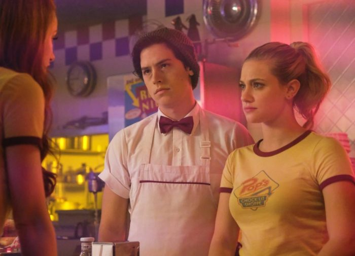 Riverdale sweeps 2018 Teen Choice Awards