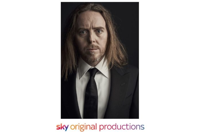 Tim Minchin to move a piano across Australia for Sky's Uptight