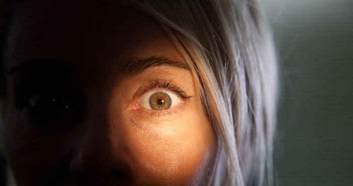 VOD film review: Julia's Eyes