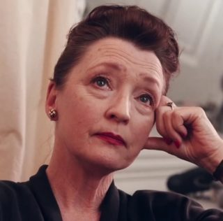 Lesley Manville play Princess Margaret in The Crown Season 5