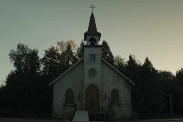 Watch: New trailer for Mike Flanagan's Midnight Mass