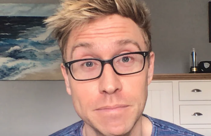 Russell Howard brings topical show to Sky from his home