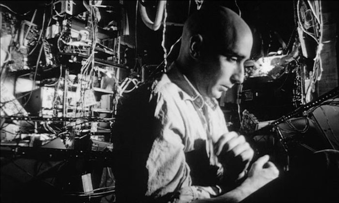 Darren Aronofsky's Pi: A thrilling study of order and chaos